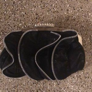 Handbags - Black Rhinestone/Zippered clutch
